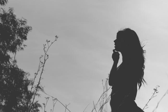 Book fotográfico y sesión de fotos a chica en Arucas con neumático