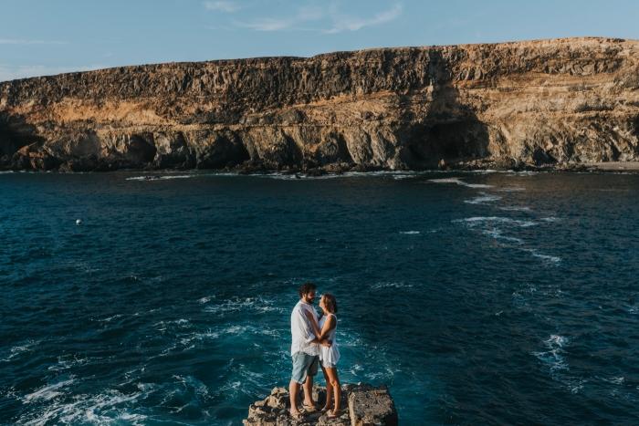 Fotógrafo de preboda y parejas en Las Palmas y Fuerteventura en Cuevas de Ajuy