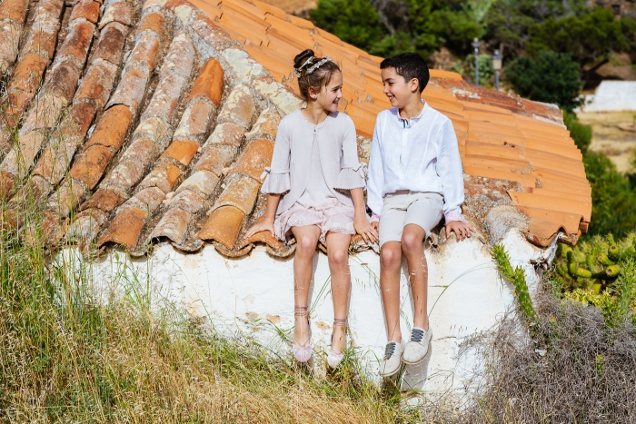 Fotógrafo de comunión en Fuerteventura y Bentancuria y vestidos de Hortensia Maeso