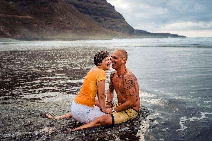 Fotógrafo de preboda en la playa de San Felipe en Pagador de Moya